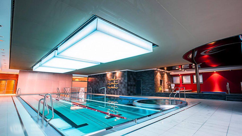 techo especial piscina cubierta